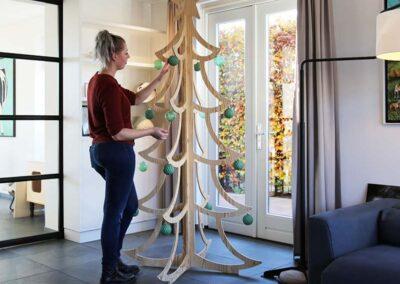 lourenswoodworks kerstboom frej hout sfeerbeeld