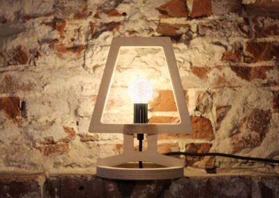 lourenswoodworks_bureaulampje_signe_hout_sfeerbeeld