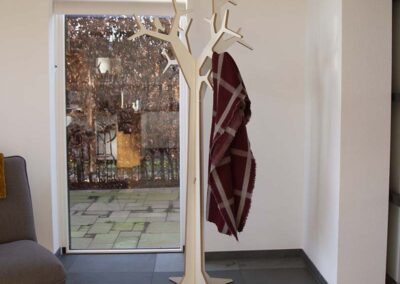 lourenswoodworks kapstok boom tilda wit mdf met sjaal